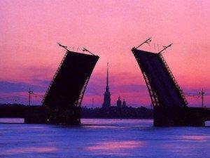 В ночь на 12 марта разведено пять петербургских мостов