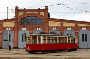 Сегодня проходит акция памяти, которая посвящена дате возобновления трамвайного движения в блокадном Ленинграде