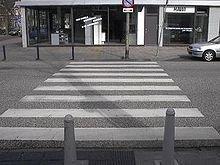 Внедорожник сбил мужчину на пешеходном переходе