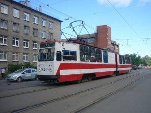 В Санкт-Петербурге сбили мужчину, выходившего из трамвая