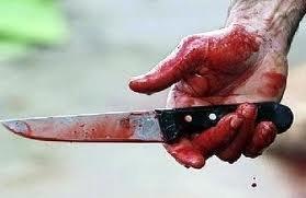 В ходе пьяной ссоры мужчина напал с ножом на своих обидчиков