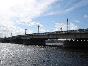 Мужчина прыгнул с Литейного моста и утонул