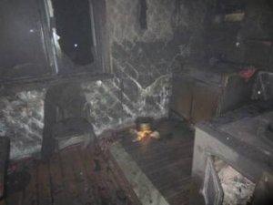 На проспекте Маршала Жукова полностью выгорела однокомнатная квартира