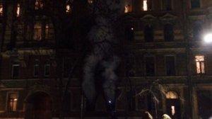 В результате возгорания в центре Петербурга эвакуировано 12 человек