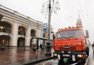 В Петербурге проверяют готовность уборочной техники к летнему сезону