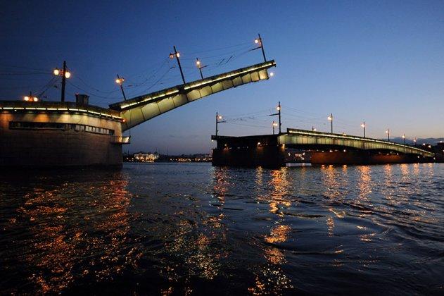 Разводка петербургских мостов прекратится 1 декабря