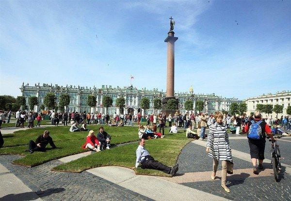 Иностранцам упростят въезд в Петербург