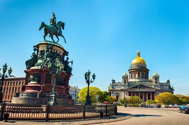 Петербург вошел в список самых популярных городов для летнего семейного отдыха