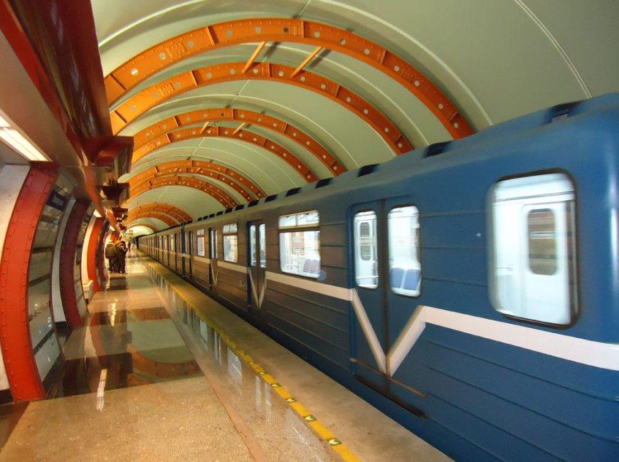Сегодня метро будет работать без перерывов