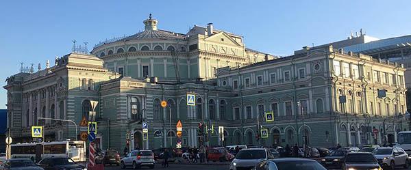 Вестибюль станции метро «Театральная» откроют не раньше, чем через 5 лет